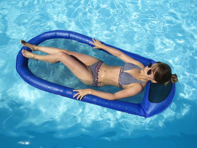 Schwimmende Hängematte