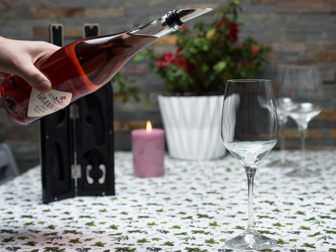 Flaschenöffner-Set in Weinflasche